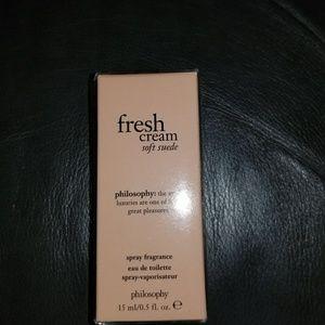 Philosophy- Fresh cream soft suede- spray fragranc